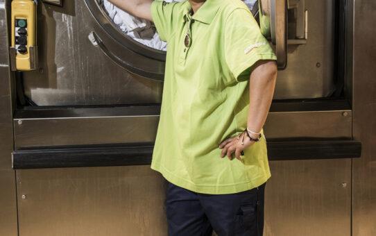 Intervju med Khuanla Chalardyaem, tvättbiträde